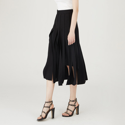 BLACK PLEATS SKIRTS