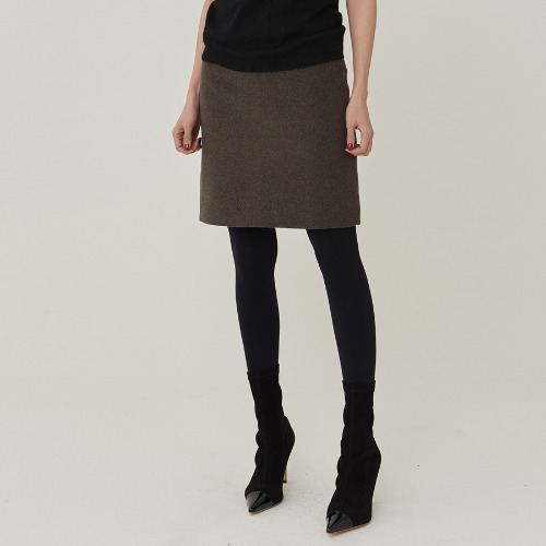 Basic wool skirt