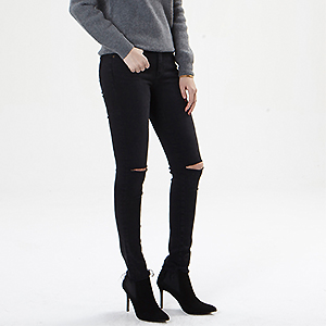 Dark-cut jean black