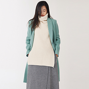 JILSAN. WEAR-ABLE COAT