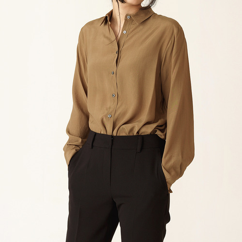 [ 40% SALE ] Vogue witch shirts / ONLY KHAKI