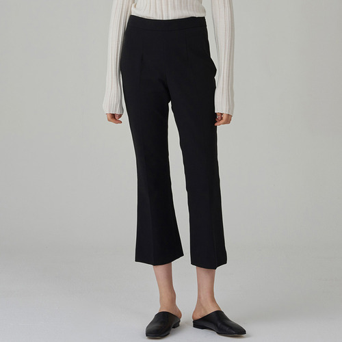 KICK FLARE CROPPED STRETCH PANTS