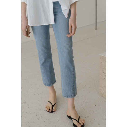 3차 리오더 / COMMA CURVED straight denim