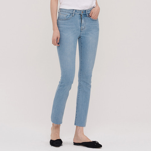 40% SALE /SIHWA  LIGHT  STRAIGHT JEAN