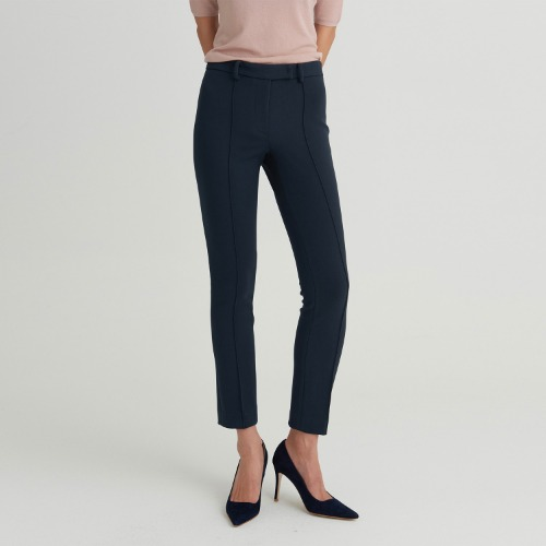 Use stretch tailored trouser