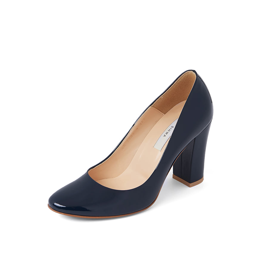 Era round toe pumps